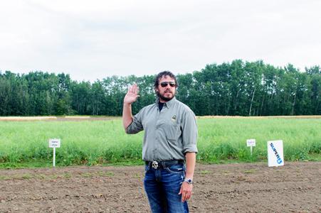 Canola Commission Peace Agronomist-Greg Sekulic